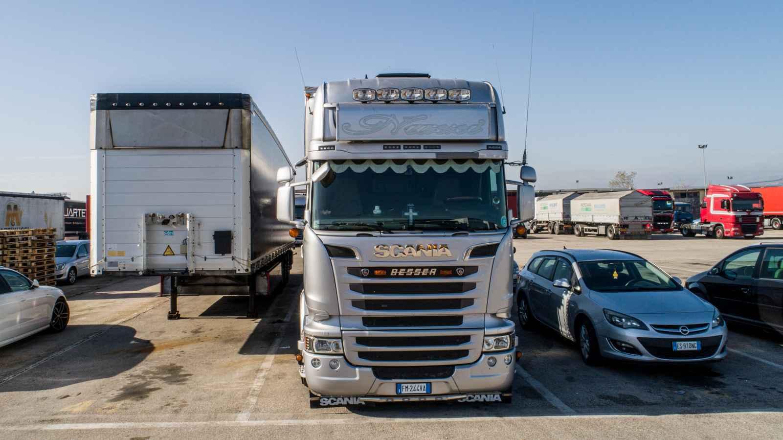 truck-piazzale-gaa-trasporti-puglia-02